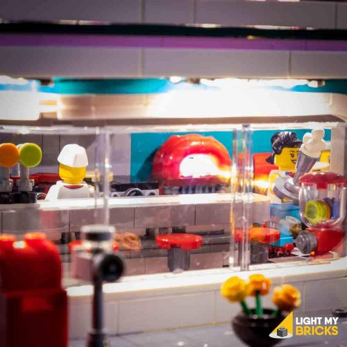 LEGO Downtown Diner 10260...